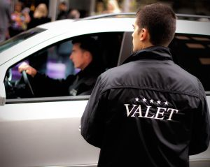 La reacción del valet es sorprendente