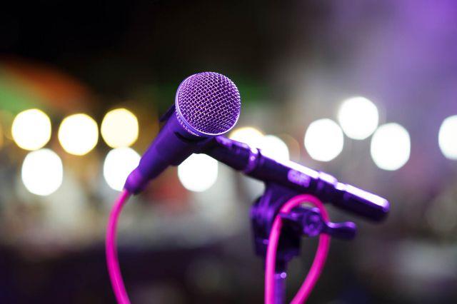 Una vez más Iñaki triunfó en el Karaoke Tlacuachero