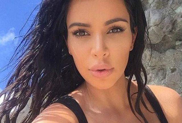 Después de haber sido criticada por unas fotos que publicó un paparazzi, Kim Kardashian publicó el cómo luce ahora