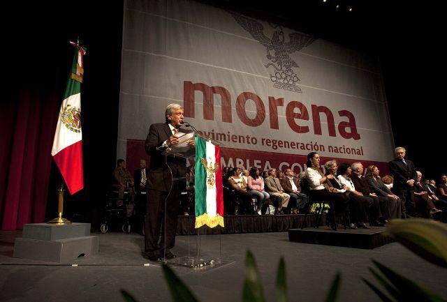 Cuauhtémoc Blanco y Gabriela Cuevas se sumaron al movimiento