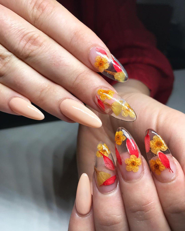 Increíbles Diseños Florales Para Lucir Tus Uñas Hermosas